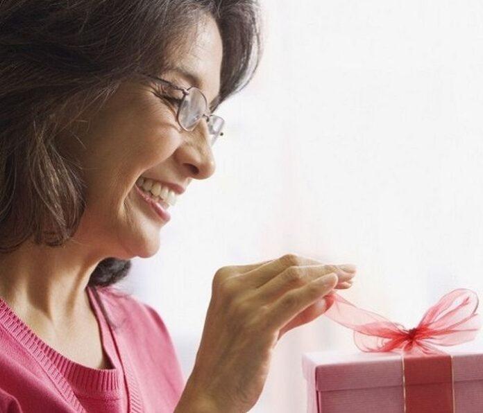 Gaver til hende 51 år - top 30 gaveidéer til fødselsdag